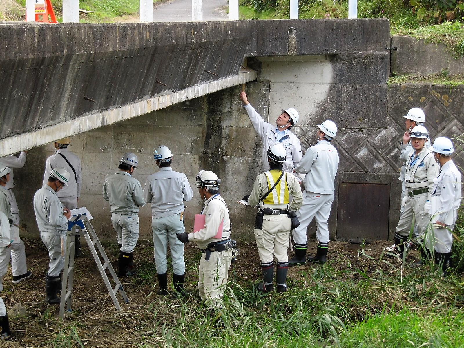 写真(平成30年度実施講座「橋梁点検と補修計画」)